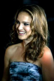 Natalie Portman speaks Hebrew